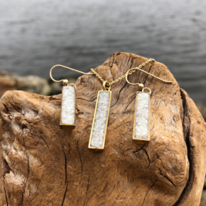 Crushed Oyster Shell Rectangle Jewelry Set - Gold
