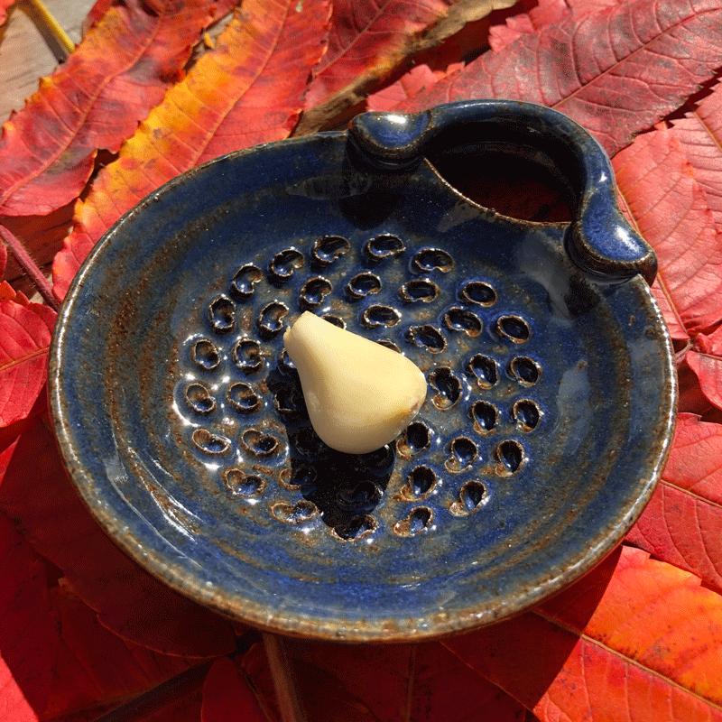 Blue Chrysanthemum Dish