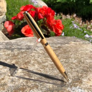 Maine Red Oak Pen with Black & Gold Metal Hardware