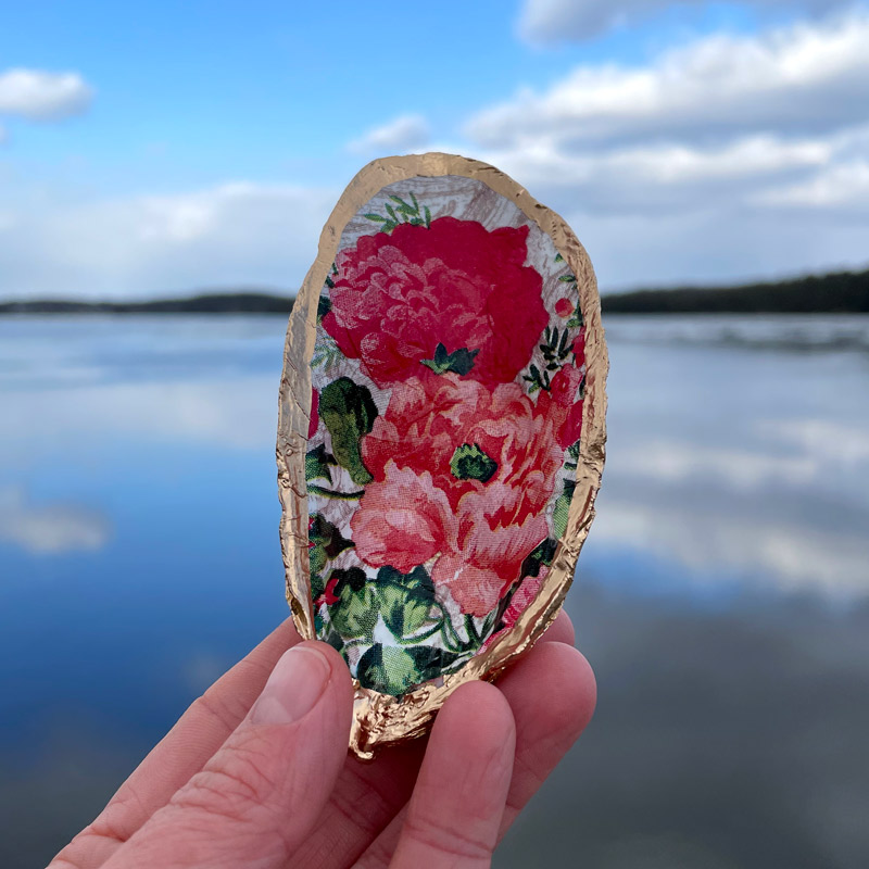 Double Poppies Oyster Shell Ring Dish