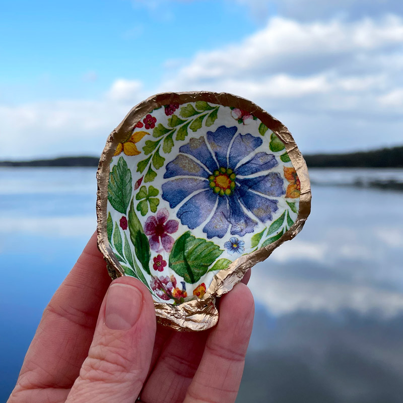 Wild Flowers Oyster Shell Ring Dish
